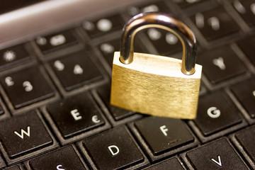Safe internet web navigation