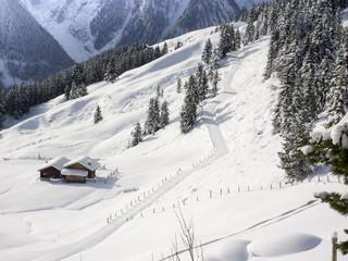 Schihütte in einer Winterlandschaft