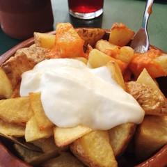 tapas, patatas bravas, spanish food