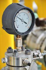Pressure gauge for measuring