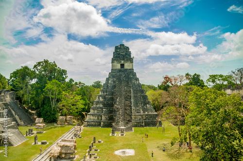Foto op Aluminium Artistiek mon. tikal mayan ruins in guatemala