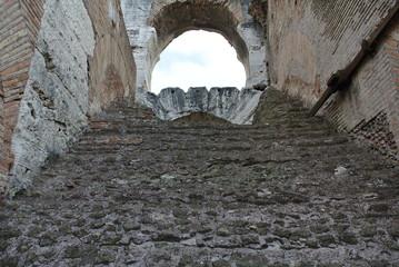 イタリア ローマ コロッセオ紀元前の階段