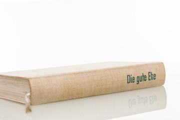 altes Buch Ratgeber © Matthias Buehner