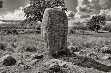 Uralter Runenstein