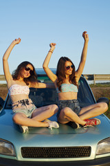 Travel girls 1