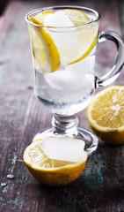 Lemonad in glass
