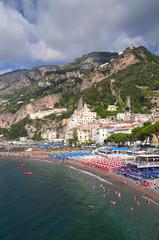 Malowniczy widok kurortu Amalfi w południowych Włoszech