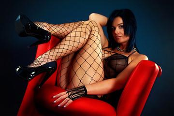 Hübsche Frau in Netz