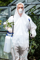 Clothes protecting from harmful spraying