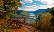 Leinwandbild Motiv Phantastische Aussicht über die Mosel-Weinberge bei Neef