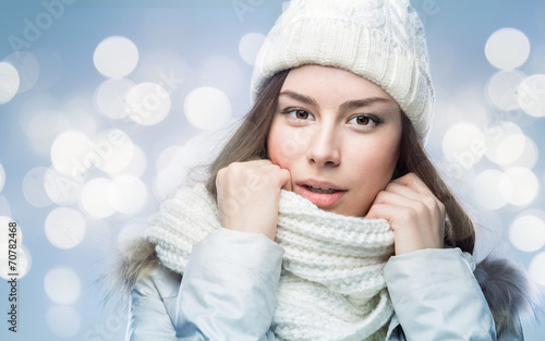 canvas print picture Face girl in winter hat