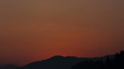 Time-lapse: Sunrise over mountain