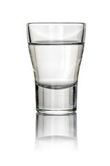 gefülltes Schnapsglas