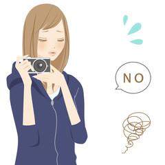 ネガティブパーツ カメラを持つ女性