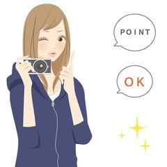 ポジティブパーツ ポイントを紹介するカメラを持った笑顔の女性パーツ カメラを持った笑顔の女性