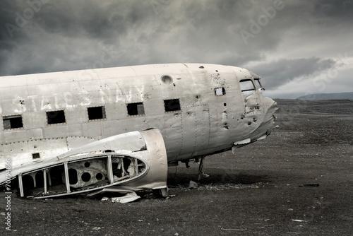 Zdjęcia na płótnie, fototapety, obrazy : Plane wreck