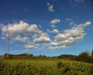 colline e nuvole