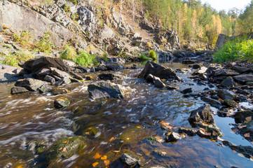 ручей в осеннем лесу, Урал, Россия