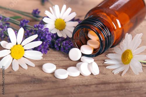 Leinwanddruck Bild Schüssler Salze mit Lavendel und Kamille