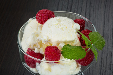 Ice cream with raspberry