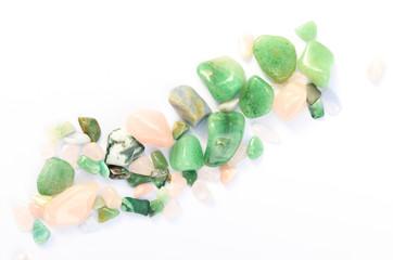 Heilsteine Edelsteine poliert grün und rosa