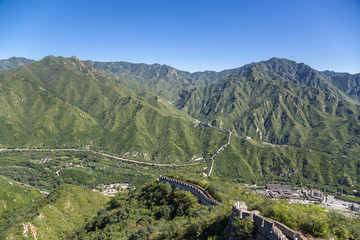 Great Wall of China, crossing the valley
