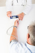 zur vorsorge blutdruck kontrollieren