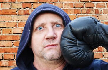 Удар боксёра.