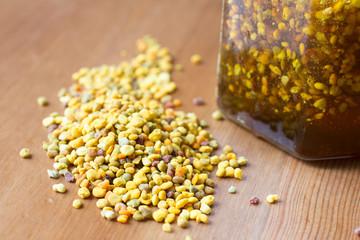 Bee pollen and honey as healthy food supplements