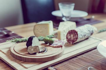 Trüffel, Käse und Salami