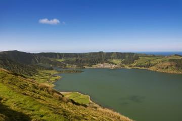 Portugal, Azoren, Sao Miguel, Blick von der Caldeira da Sete Cidades zum Lagoa Azul und Lagoa Verde