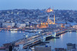 Türkei, Istanbul, Blick vom Galata-Turm-zu Galata-Brücke und Neue Moschee in den Abend