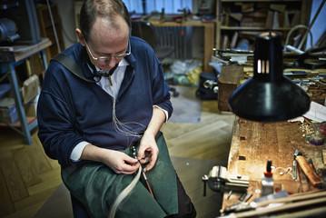 Beim Geugenbauer, Reparatur eines Bogens
