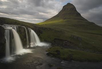 Island, Snaefellsnes, Kirkjufellfoss Wasserfall
