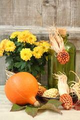 Herbstblumen, Kürbis & Ziermais