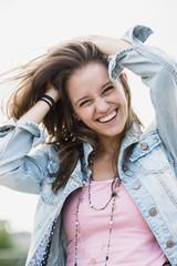 Lachendes Mädchen
