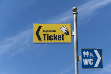 Segnaletica ticket e WC