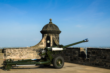 Cannone castello Edimburgo