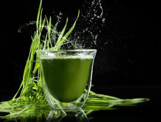 detox. young barley, chlorella superfood.