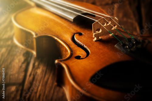 violin in vintage style - 70868458