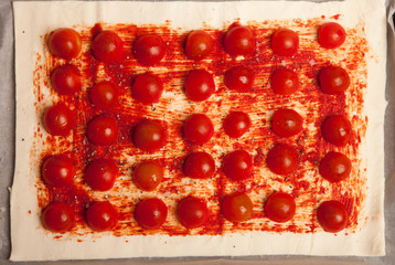 tomatos on puff pastry