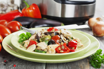 Vegetables, steamed with chicken and green lentils