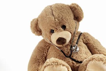 Teddy mit Stethoskop,Symbolbild, Studio
