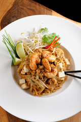 Pad Thai Goong Sod, thin rice noodles fried with tofu and shrimp