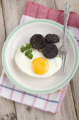 black pudding and fried egg