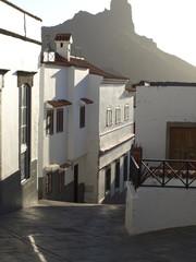 White houses to Tejeda