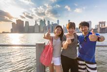 壁紙(ウォールミューラル) - Japanese Tourists in New York