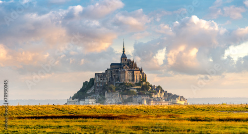 Mont Saint-Michel in morning haze - 70930045