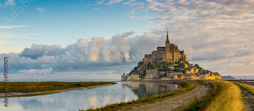 Leinwanddruck Bild Panoramic view at morning Mont Saint-Michel