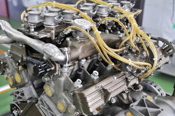 古いF1のエンジン